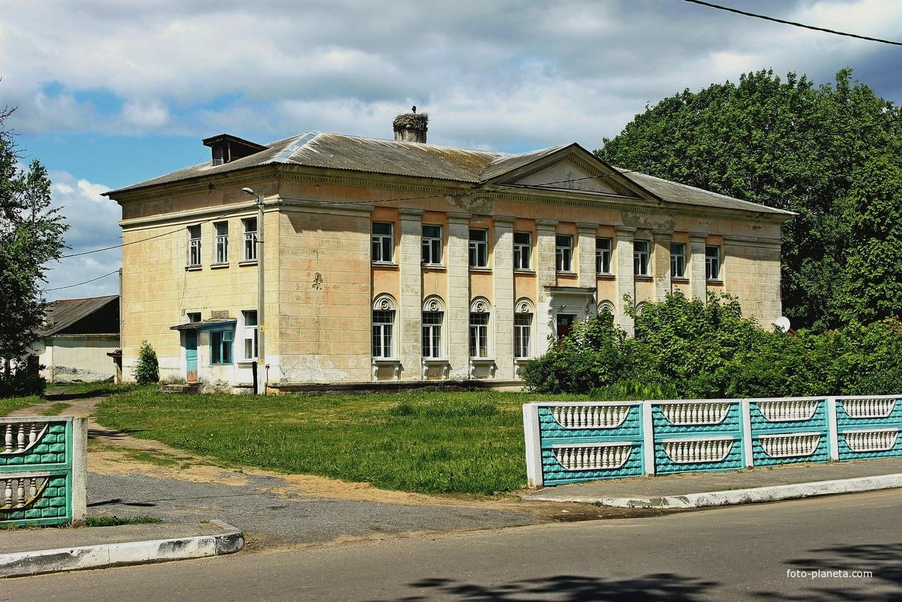 Бывшая поликлиника | Кривичи (Мядельский район)