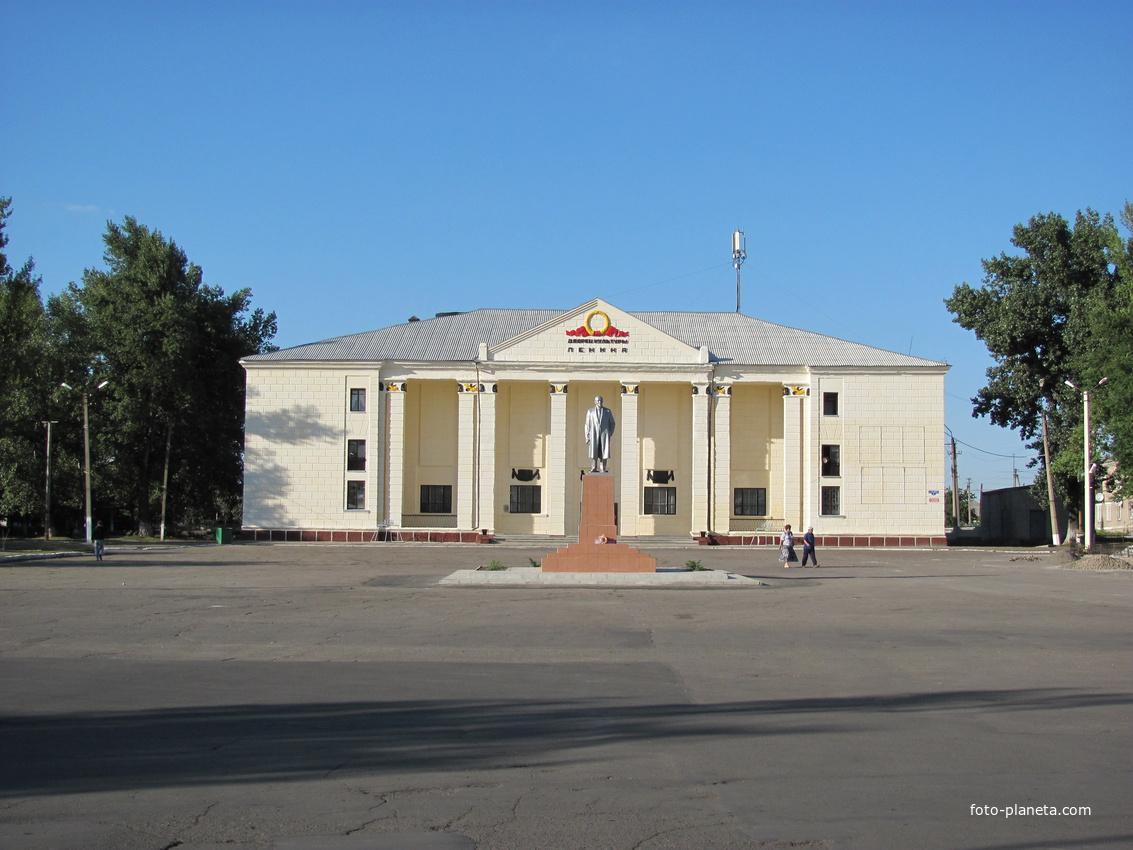 Проститутки свердловск луганской области