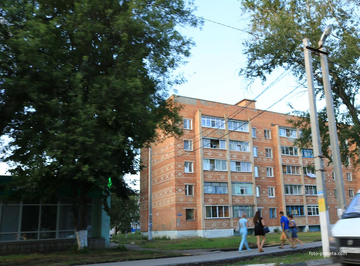 Донской, Октябрьская улица