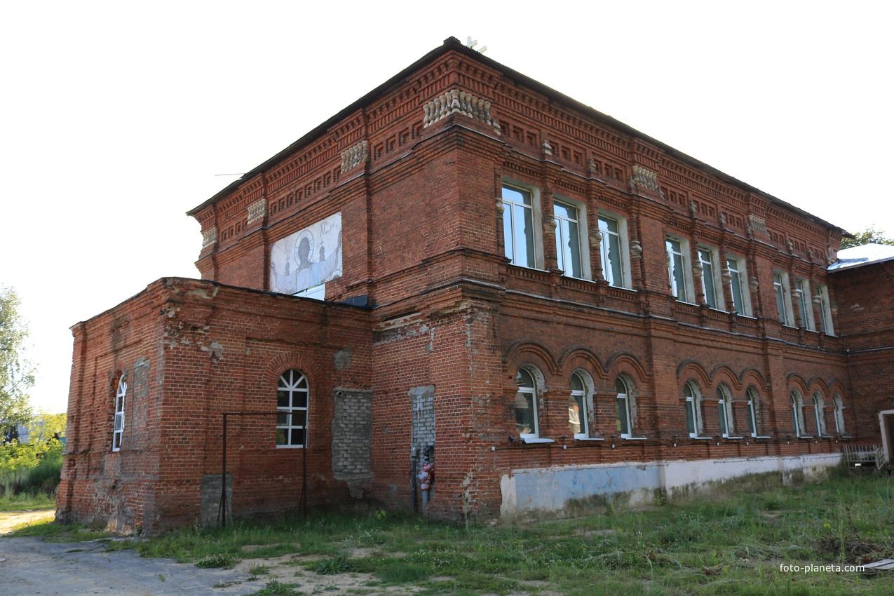 Церковь Воздвижения Честного Креста Господня в Мишеронском