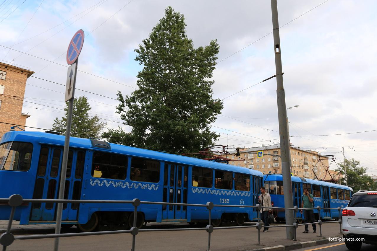 Ломоносовский проспект, трамвайная остановка