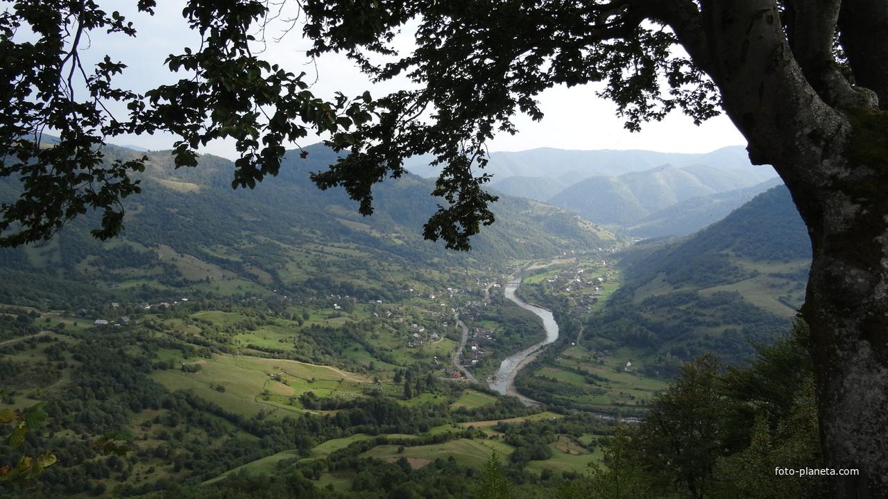 Вид с горы на Запеределье | Межгорский район