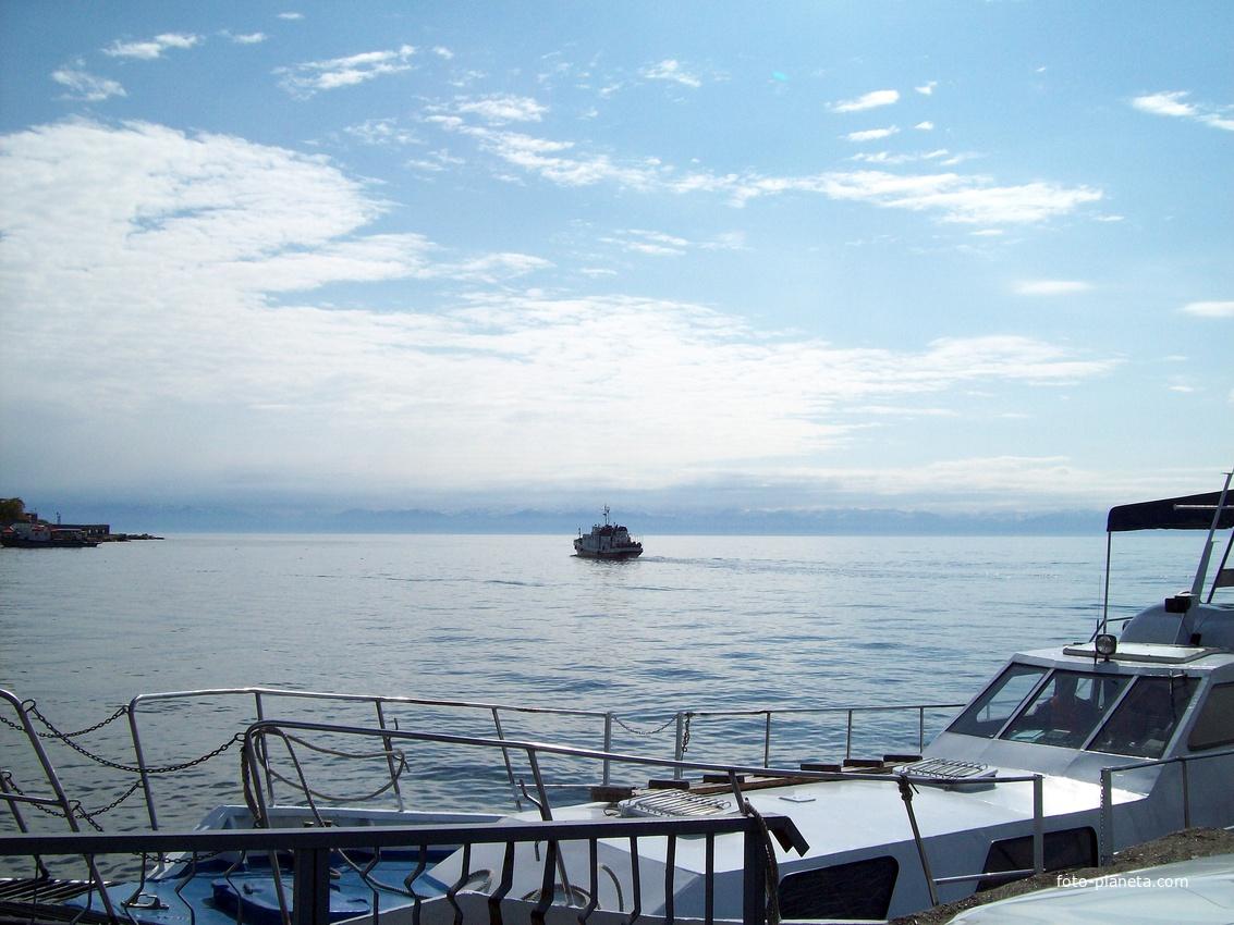 Порт Листвянка