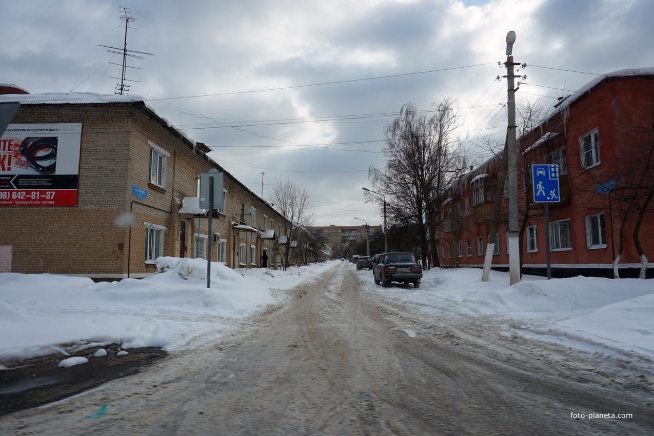 Молодёжная улица
