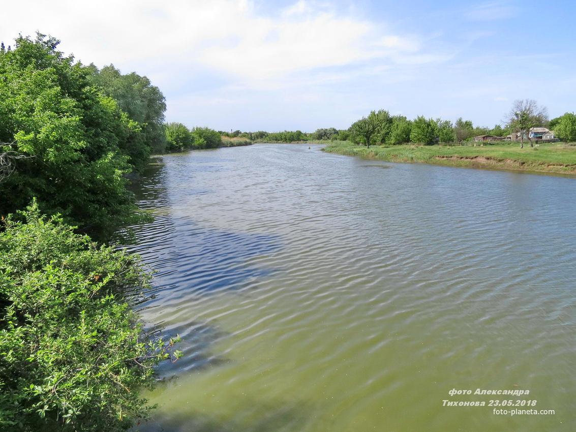 река Аксинец в Тормосине